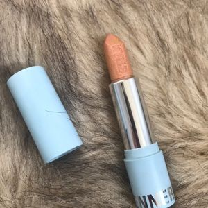 Kylie Cosmetics Snow Cute